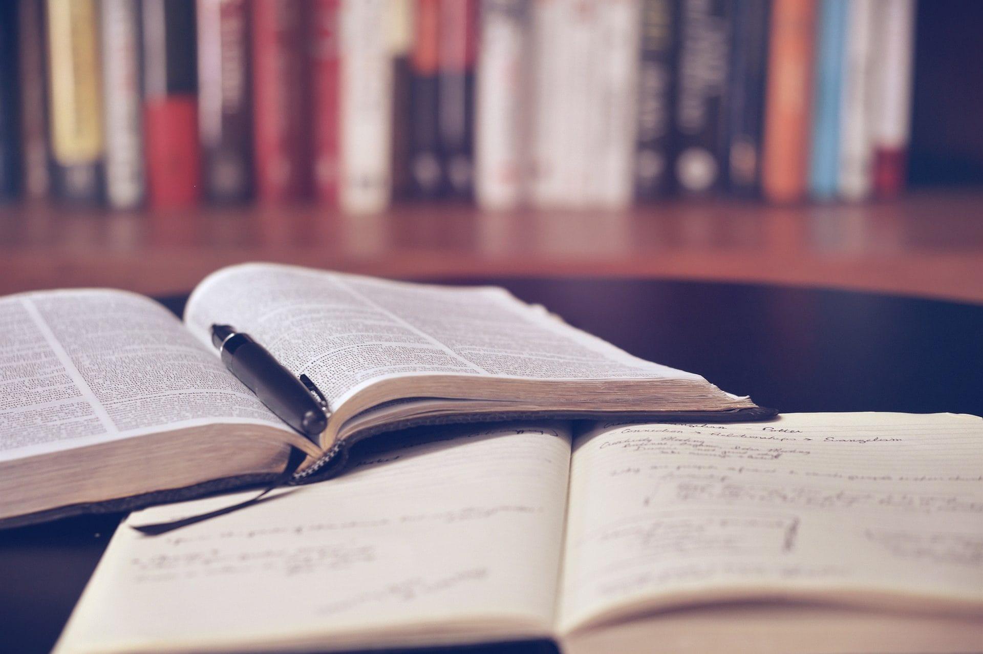 Consulter son code de la commande publique à la bibliothèque